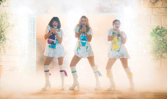 画像: ABBAの名曲満載の大ヒットミュージカルが10年ぶりに帰ってくる!