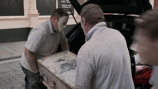 画像: 壁画が盗まれ売り飛ばされた!