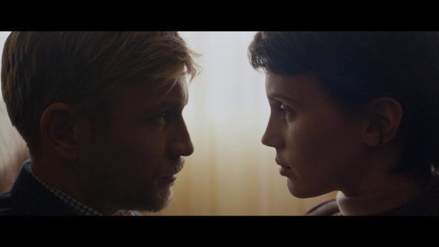 画像: フランス映画『2重螺旋の恋人』予告編 www.youtube.com