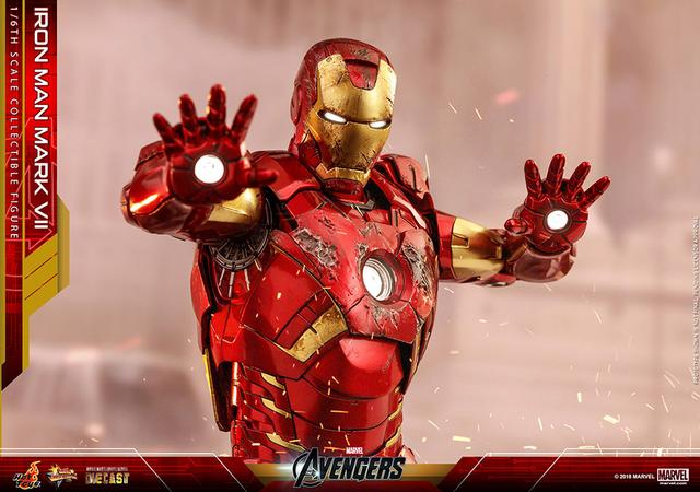 画像: 合金装甲で再開発された武装特化型パワードスーツ「マーク7」 スーツポッドのホログラム・フィギュア付き!