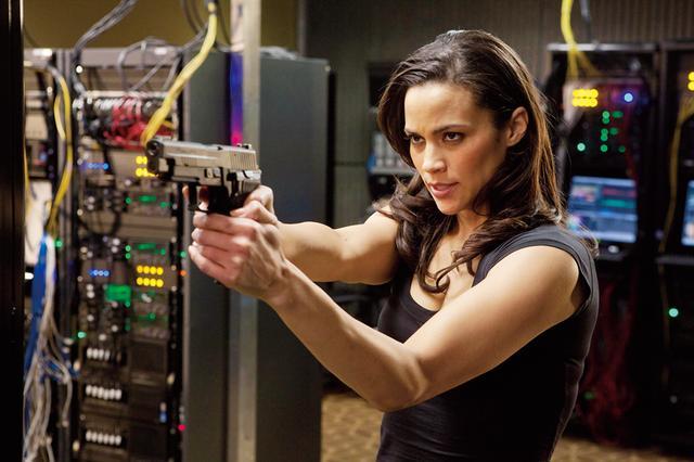 画像: ジェーン(ポーラ・パットン) チームメンバー。銃撃から肉弾戦まで高い戦闘能力を誇る