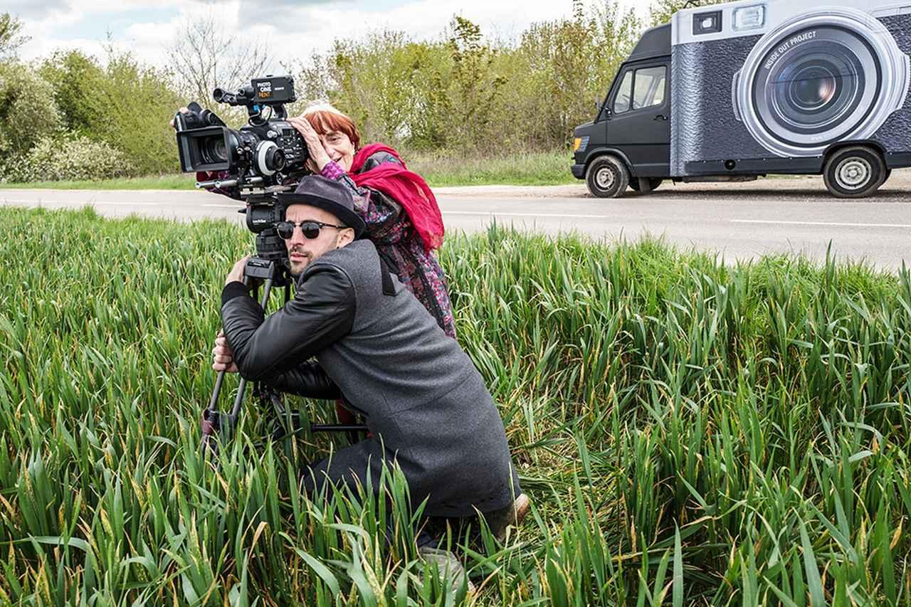 Images : 4番目の画像 - 「アニエス・ヴァルダ監督最新作、『顔たち、ところどころ』は、 「ヌーヴェル・ヴァーグの祖母」に贈られる奇跡のような出来事たち。 プロデューサー、ジュリー・ガイエ、インタビュー 髙野てるみの『シネマという生き方』VOL.18」のアルバム - SCREEN ONLINE(スクリーンオンライン)