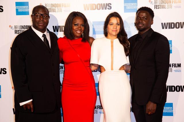 画像: オープニングを飾ったロンドン映画祭に登場した出演者と監督
