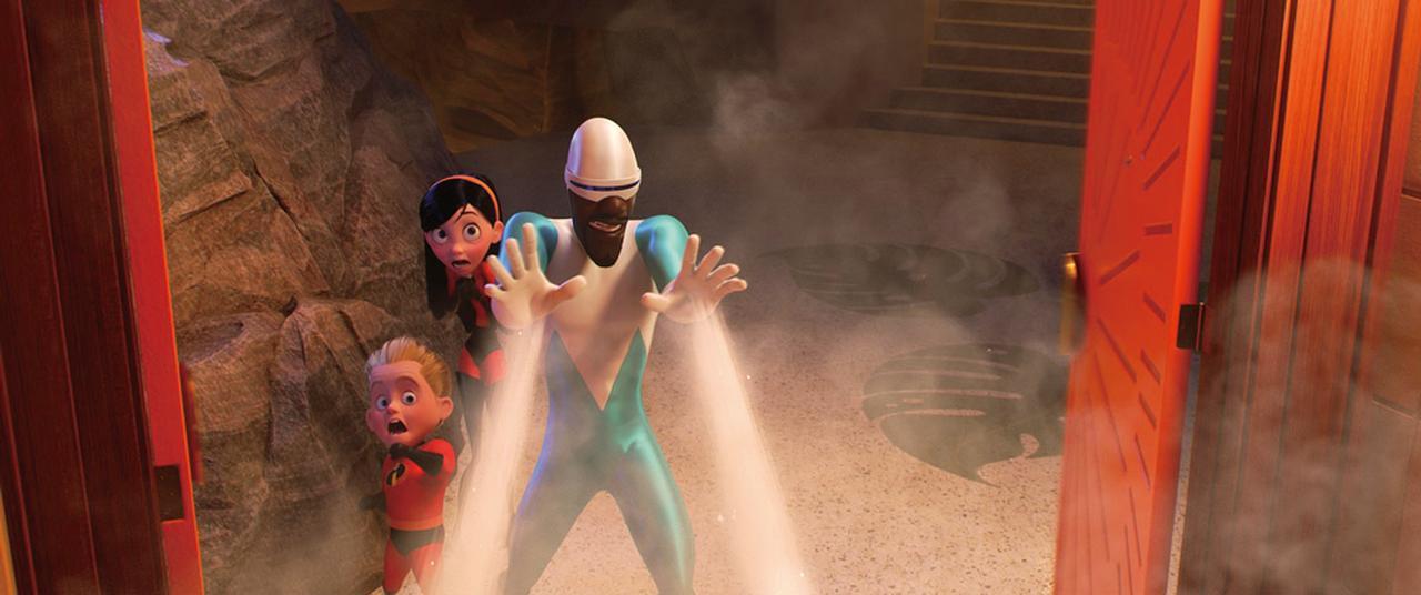画像: ヒーロー仲間のフロゾンは指先から冷気を発射!