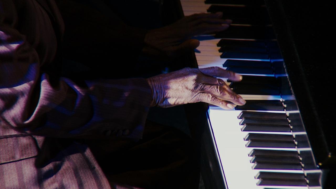 """画像: 音楽の歴史を支えた""""影の男たち""""の人生に迫るドキュメンタリー『サイドマン:スターを輝かせた男たち』公開決定"""