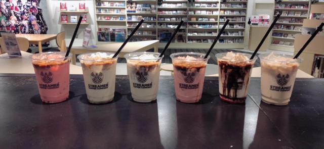 画像: 東京・渋谷に英国俳優カフェがOPEN! アンセル・エルゴート、タロン・エガートンの等身大パネルが登場 - SCREEN ONLINE(スクリーンオンライン)