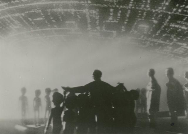 画像: マザーシップへの乗船後が描かれる「未知との遭遇 特別編」