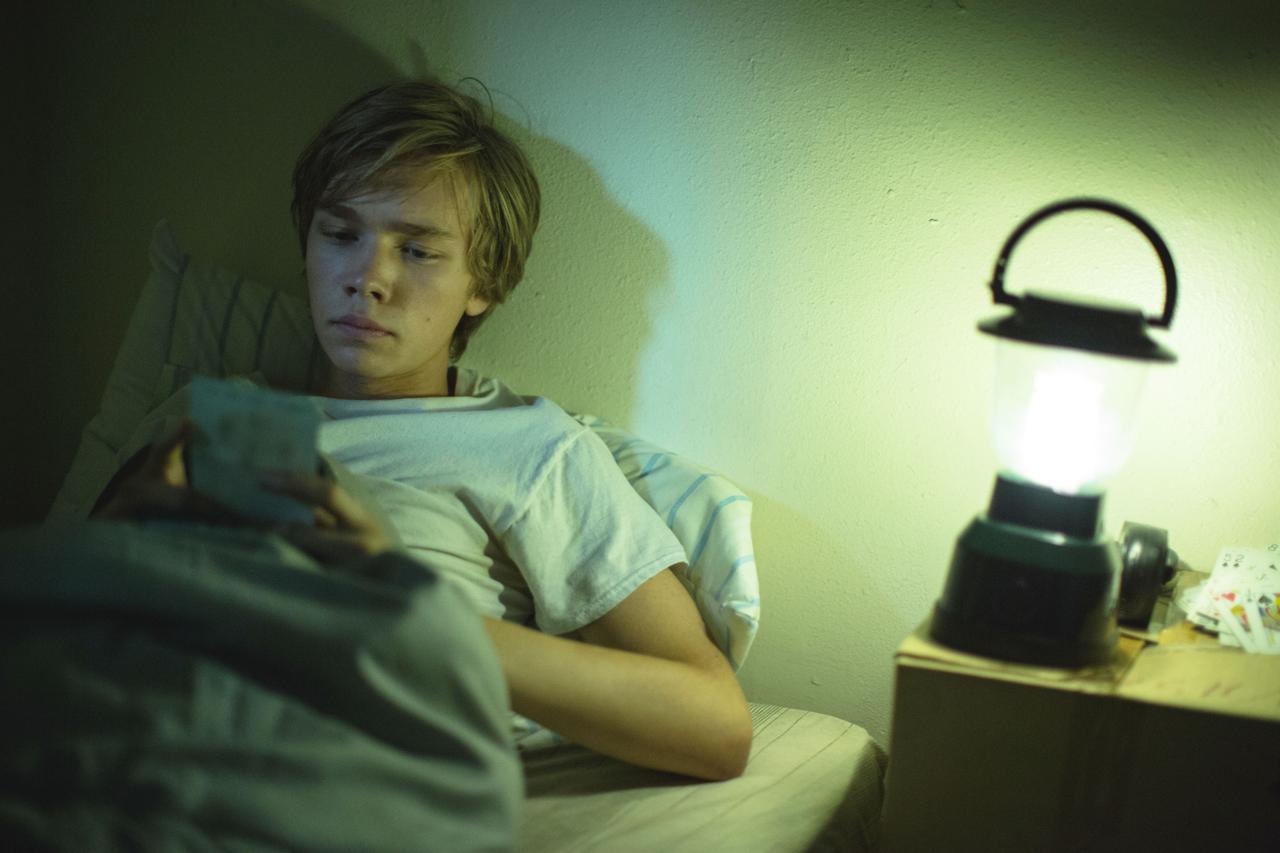 画像3: 期待の新星チャーリー・プラマーがヴェネチア国際映画祭新人俳優賞を受賞