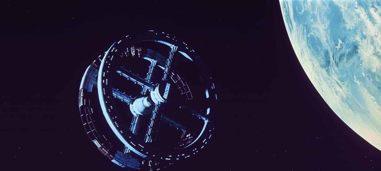 画像: 宇宙ステーションのメタリックな質感もわかる!