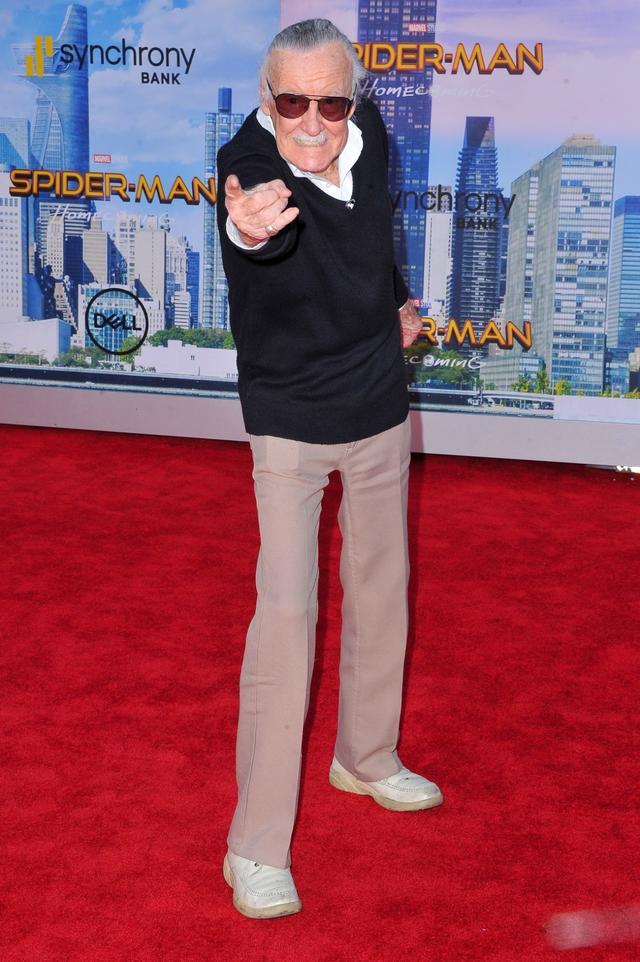 画像: おなじみスパイダー・ポーズ。スパイダーマンも彼が生みの親