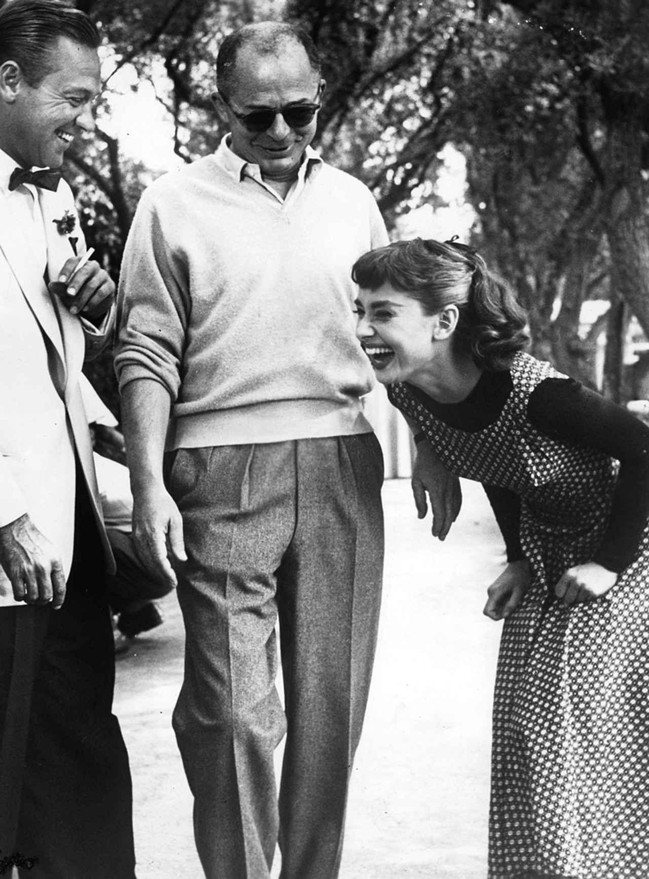 画像: 「麗しのサブリナ」撮影中にウィリアム・ホールデン、ビリー・ワイルダー監督と