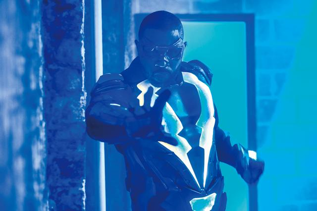 画像: 稲妻を操るヒーロー、ここに現る!
