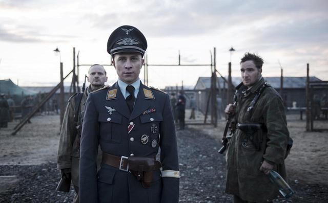 画像: ナチス将校の軍服を手に入れた脱走兵の狂気の蛮行 「ちいさな独裁者」2月8日(金)公開 - SCREEN ONLINE(スクリーンオンライン)