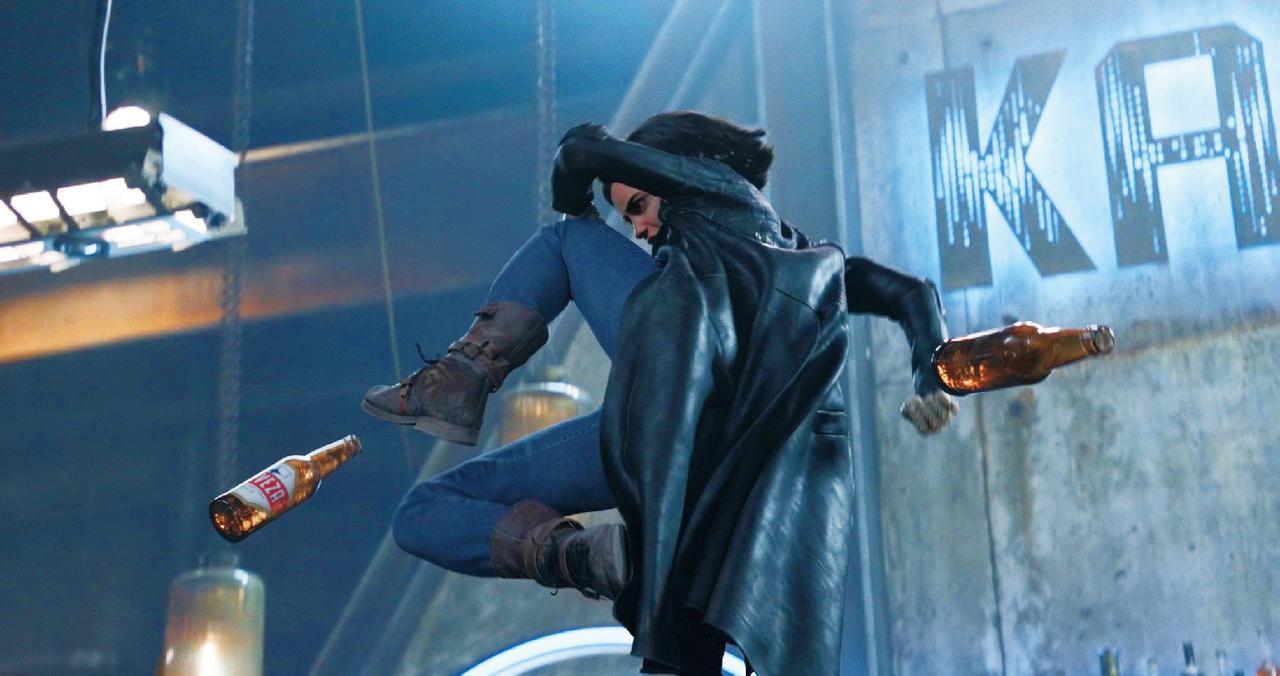 画像: 最強ヒロインのアリータがド派手アクションを繰り広げる