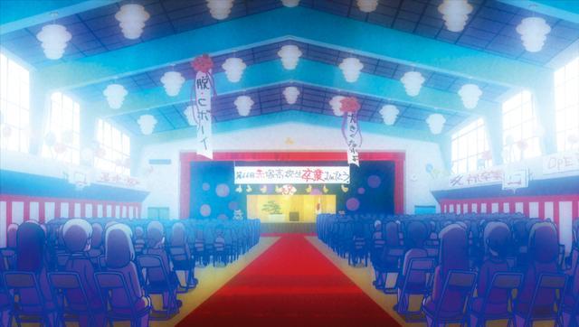 画像: 劇中では18歳の6つ子が高校の卒業式に参加するシーンも登場