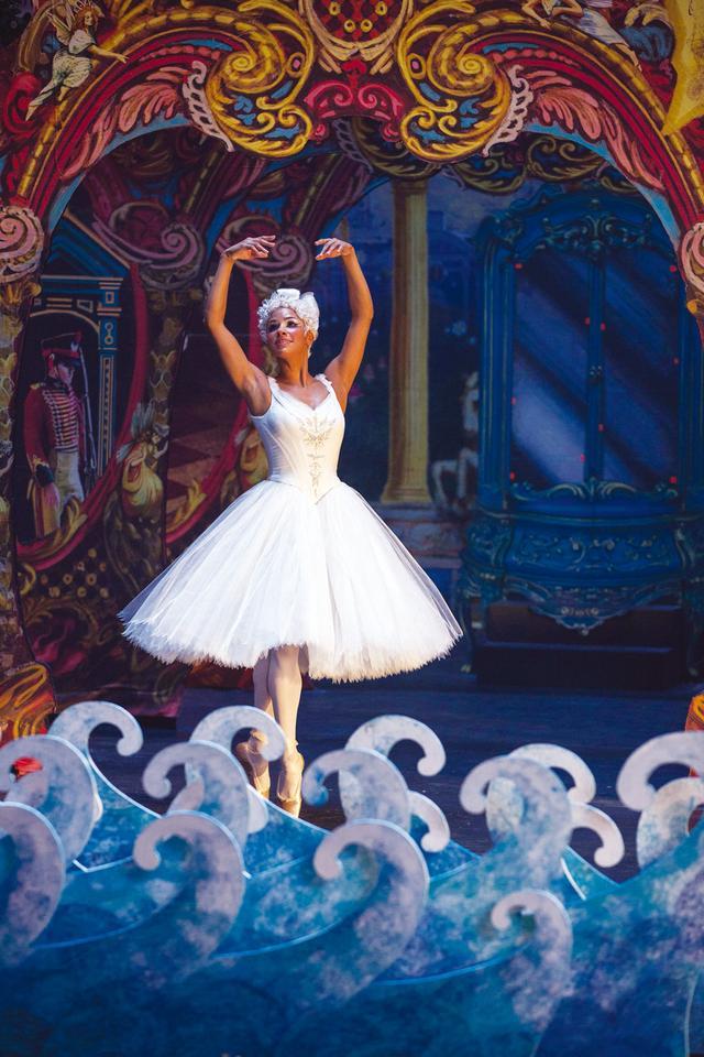 画像10: 衣装ハンパない…「くるみ割り人形と秘密の王国」の秘密とは?!【3/6 ブルーレイ&DVD発売】