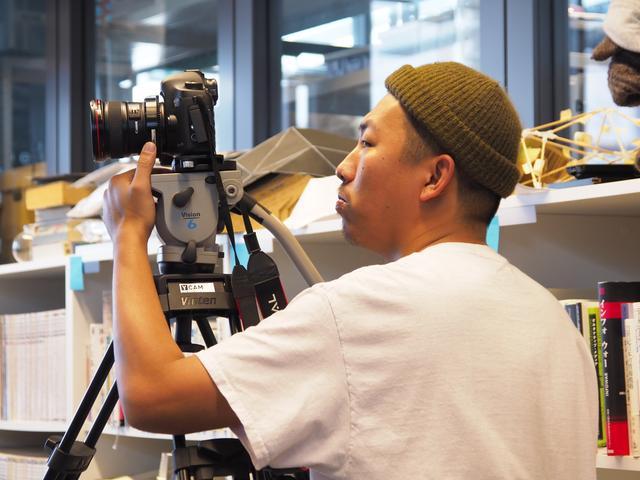 画像1: 10 代の若者たちの青春を描いた『ワイルドツアー』三宅唱監督インタビュー