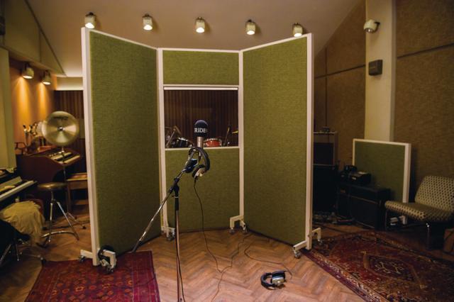 画像: 「ボヘミアン・ラプソディ」録音シーンのスタジオセット