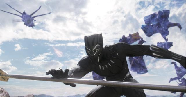 画像: 超人的な身体能力が武器のブラックパ ンサー
