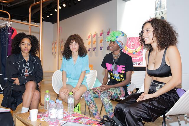 画像: Photo by 森田ツクル (左からアジャニ・ラッセル、ブレン・ロレンゾ、カブリーナ・アダムズ、ジュールス・ロレンゾ)