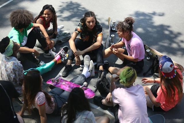 画像2: 映画を観てスケートをやり始めた女の子達が 集まってくれるようになった