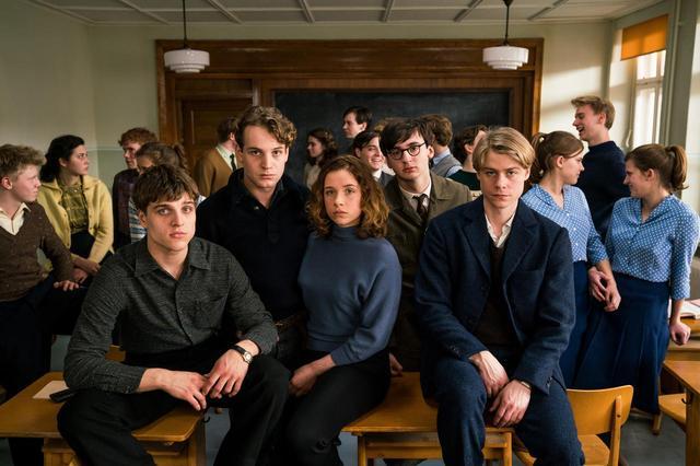 画像: なぜ18歳の若者たちは国家を敵に回したのか? 衝撃と感動の実話の映画化『僕たちは希望という名の列車に乗った』公開決定 - SCREEN ONLINE(スクリーンオンライン)