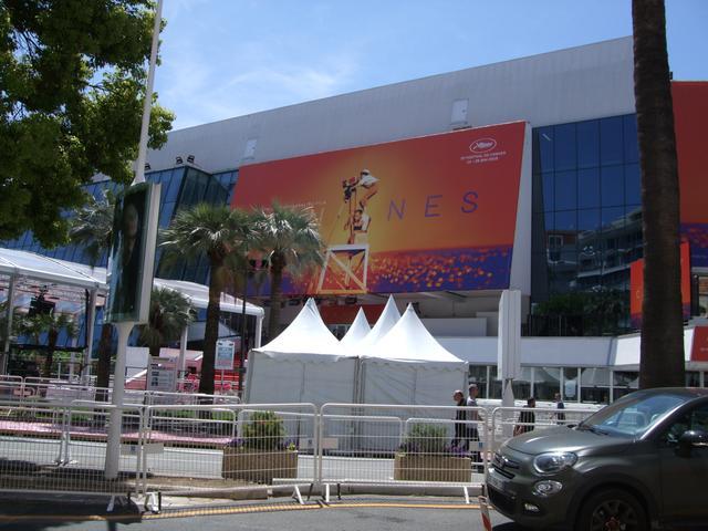 画像: 今年も快晴にめぐまれた映画祭会場