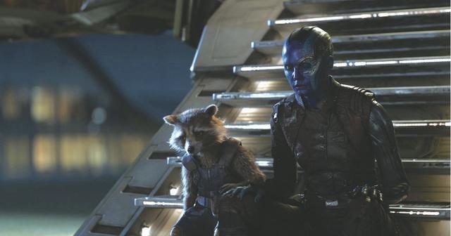 画像: ガーディアンズの仲間を失ったロケットとネビュラ