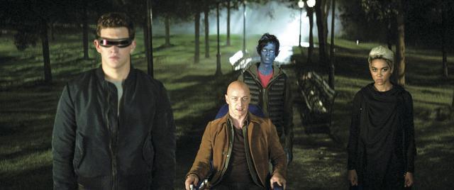 画像: チャールズ(マカヴォイ)たちはジーンを救おうとするが...