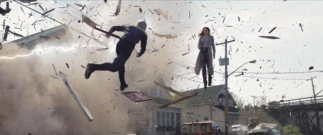 画像: 凄まじいパワーを見せるダーク・フェニックス