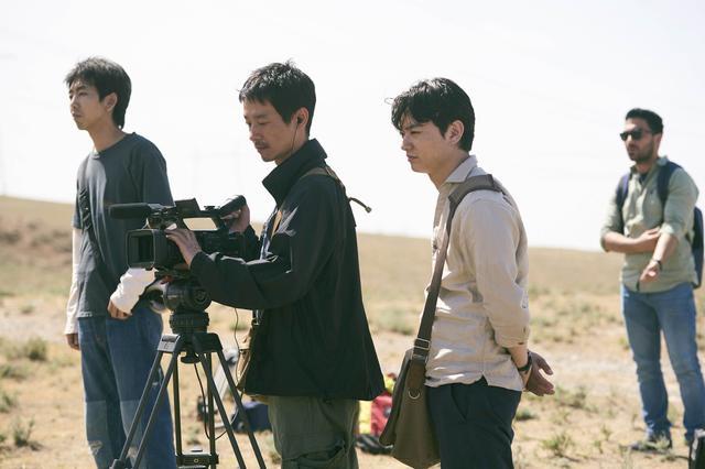 """画像5: """"撮影クルーの話""""は僕にとって凄く身近な題材ではあるけれど、 これまでフィクションとして取り上げたことがなかった"""