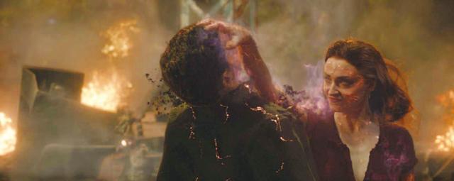 画像: 闇に落ちたジーンはすべてを滅ぼそうとする