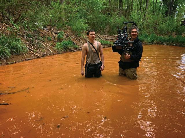 画像: 『カオス・ウォーキング』の撮影中、ダグ・ライマン監督と TomHolland(@tomholland)インスタグラムより