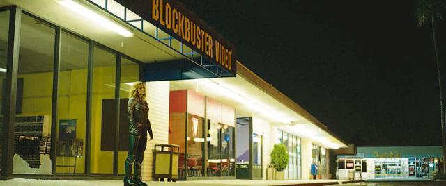 画像: 03:実在のショッピングセンターを利用して作ったセット