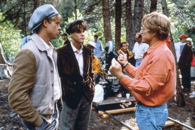 画像: 「リバー・ランズ・スルー・イット」でブラッド・ピット(左)らを演出中