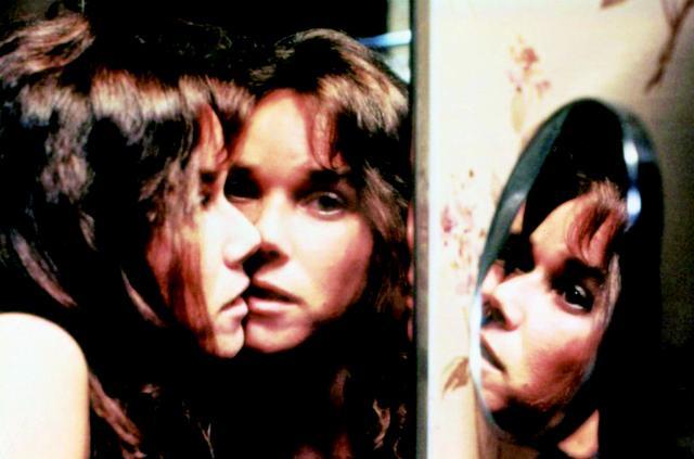画像: 「エンティティ―/霊体」のバーバラ・ハーシー