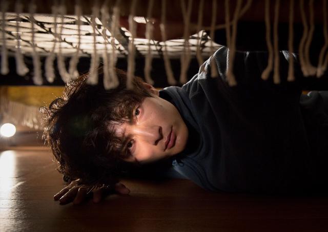 画像: 孤独な男の人生と愛の狂気を描いた 『アンダー・ユア・ベッド』 高良健吾インタビュー