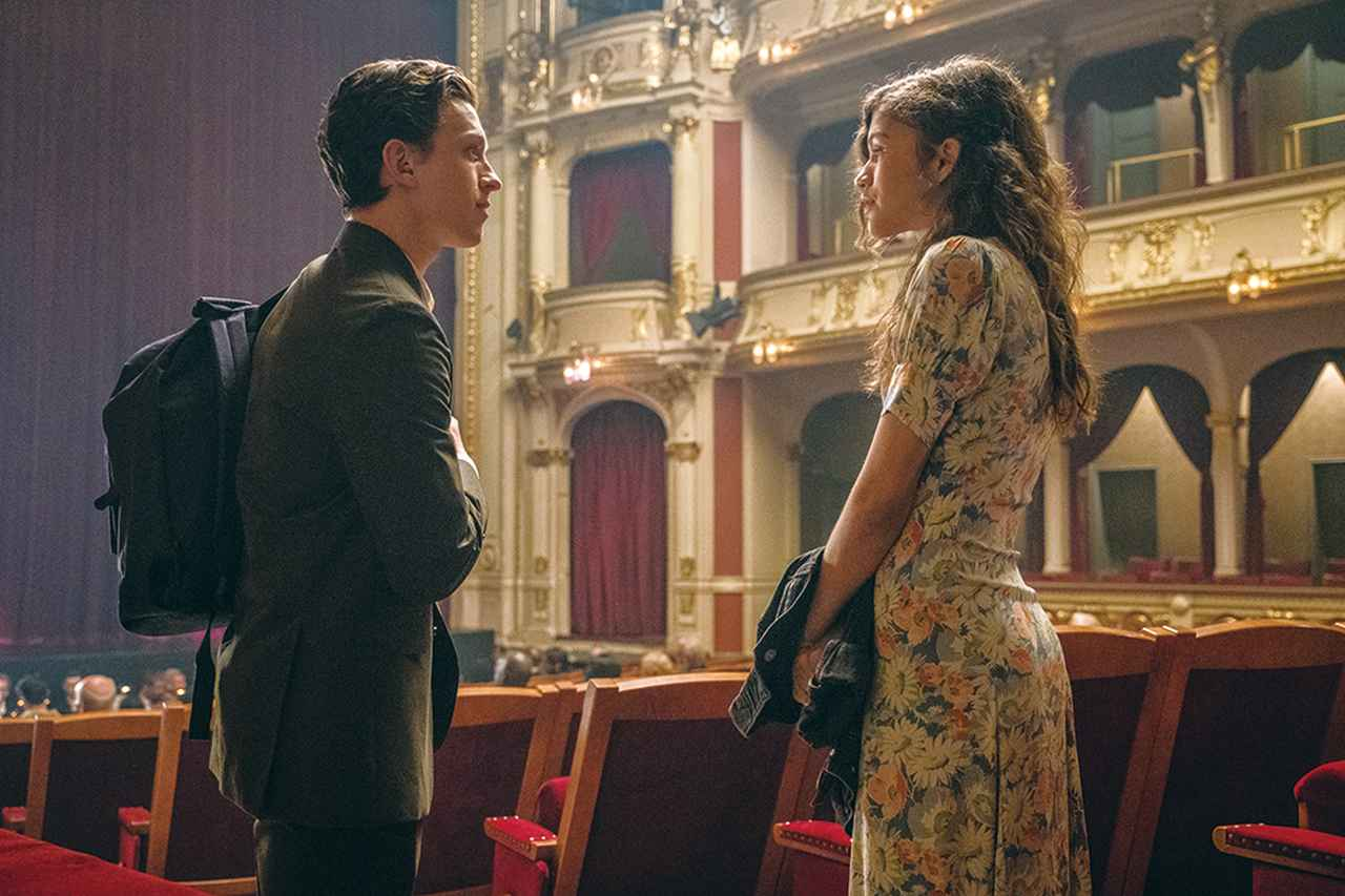 画像: MJのことが気になるピーターは彼女と良い雰囲気になるものの……
