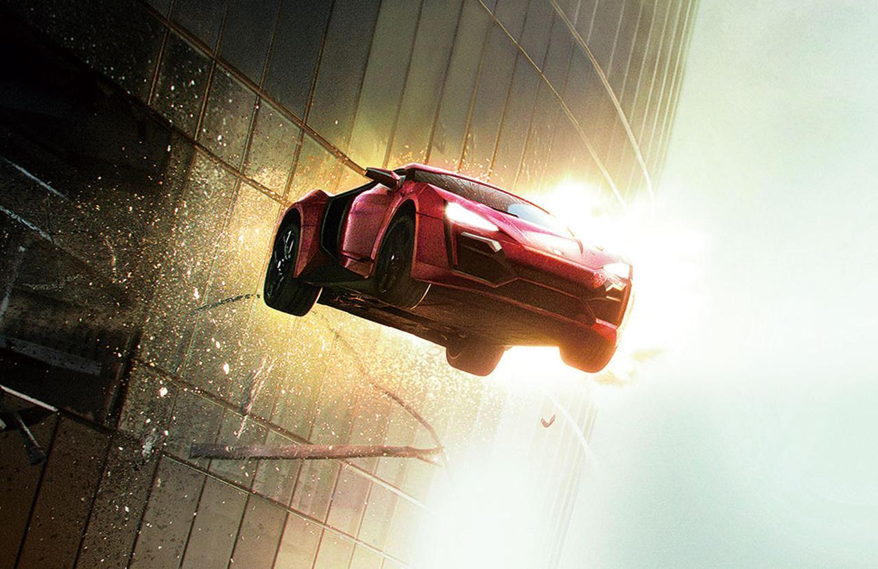 画像: 車が空を飛んじゃうムチャクチャさが最高!