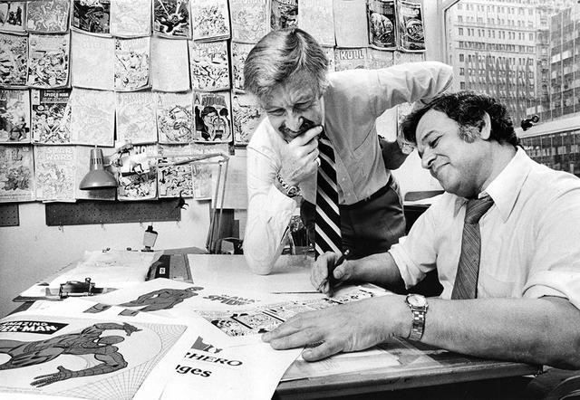 画像: スパイダーマンの生みの親は昨年亡くなったスタン・リー(左)