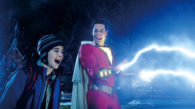 画像: 自分が手にしたスーパーパワーに大喜び?