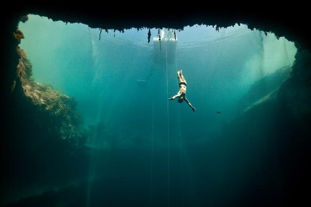 画像1: 『グラン・ブルー』のモデルとなった伝説の素潜りダイバーの映画が公開