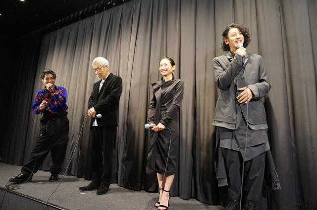 画像9: 『ある船頭の話』初日舞台挨拶に オダギリジョー監督や柄本明らが登壇!!