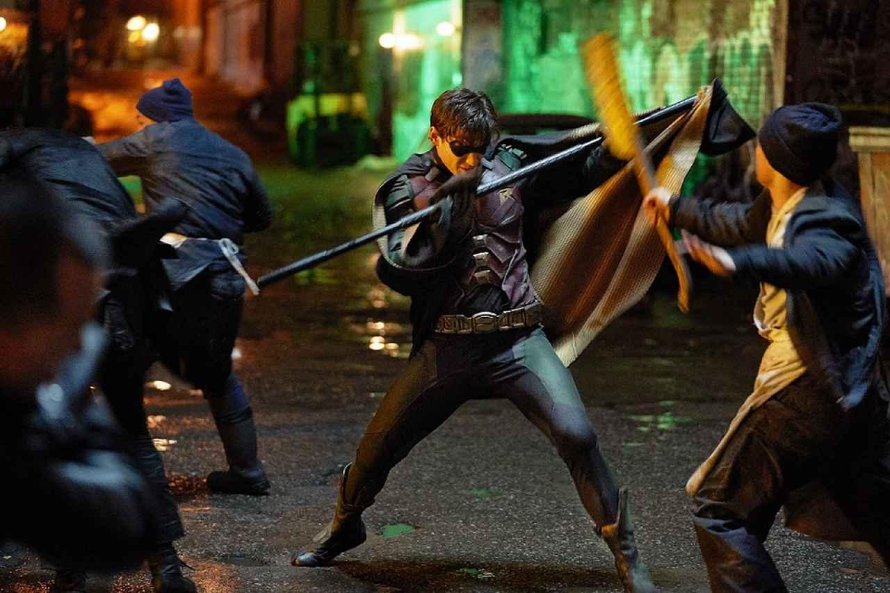 画像1: バットマンの相棒ロビンと仲間たちによるヤミツキヒーローアクション!