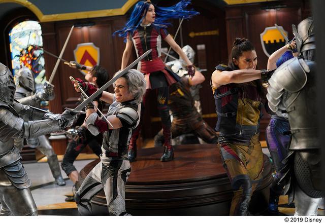 画像2: ディズニーヴィランズの子どもたちが主役のシリーズ最新作!