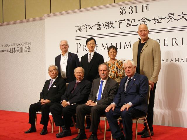 画像: 受賞者と国際顧問たち