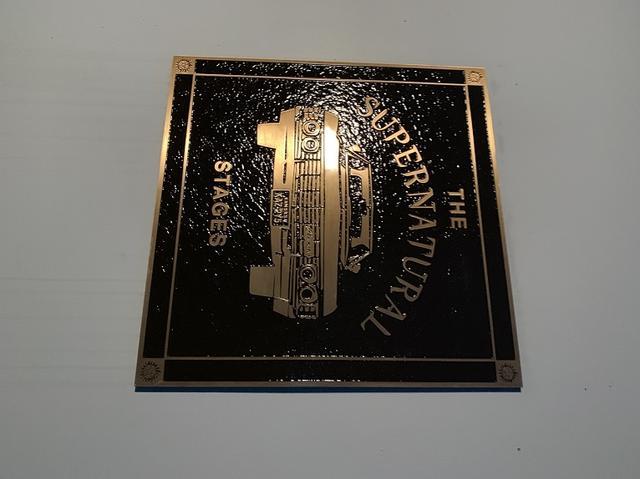 画像: スタジオ入口のボード。か、カッコいい…!