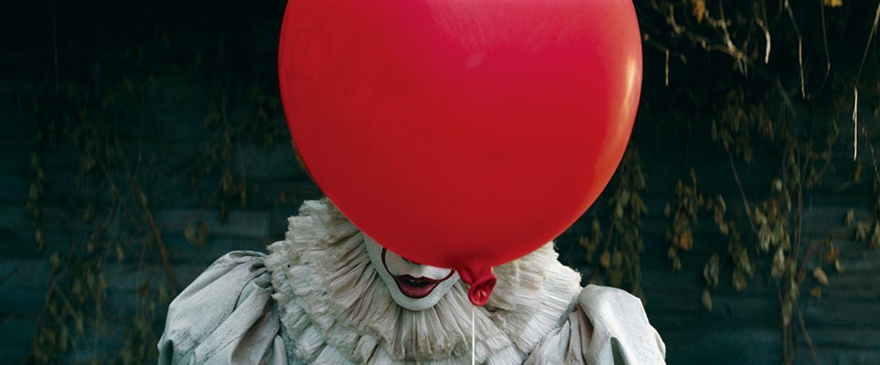 画像: 赤い風船は不吉なことが起きる予兆(写真は前作)