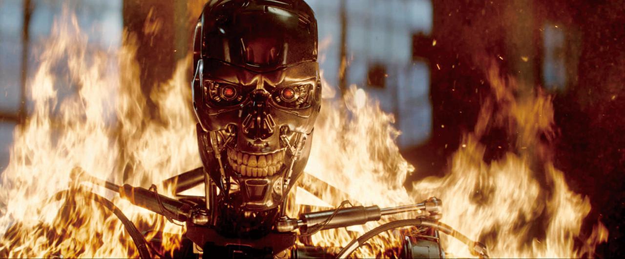 画像: 炎の中のロボットがキャメロンの夢に出て来た