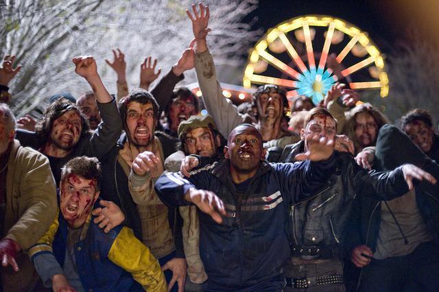 画像: クライマックスの遊園地の死闘はもはや伝説!